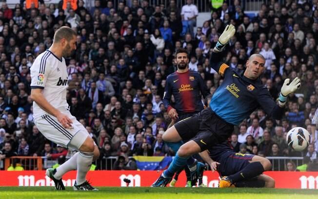 Benzema toca para o gol e abre o placar no  Santiago Bernabéu