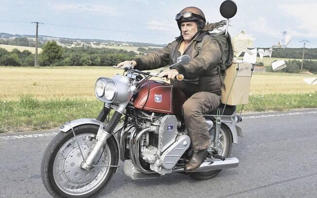 """Gerard Depardieu viaja com uma Munch 4TTS 1200 de 1969 em """"Mammuth"""""""