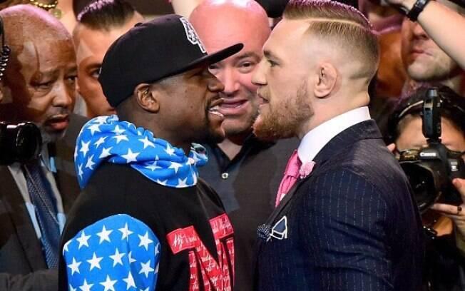 Mayweather e McGregor se enfrentam no dia 26 de agosto e boxeador é favorito