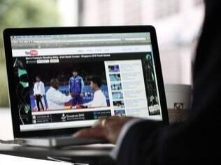 De acordo com o Google, 60 horas de vídeo são enviados por minuto