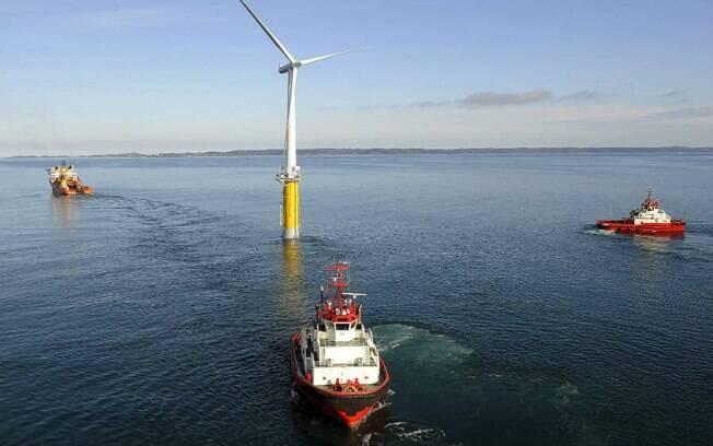 As empresas Statoil e Siemens testaram a primeira turbina em eólica flutuante em 2009