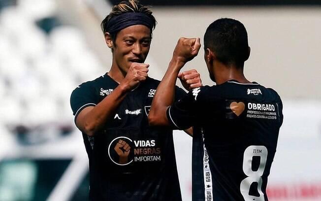 Botafogo goleia no Carioca