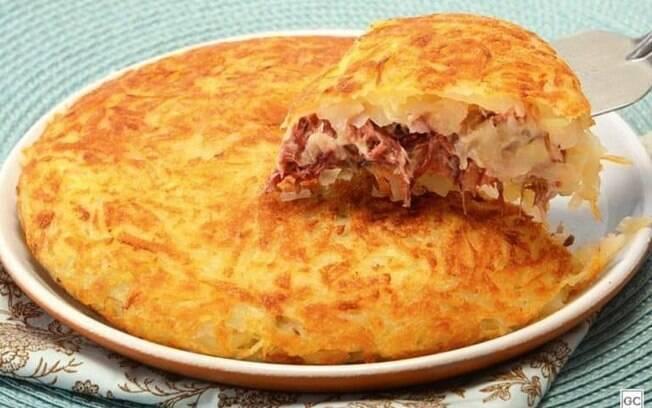 Batata rosti com carne seca e queijo