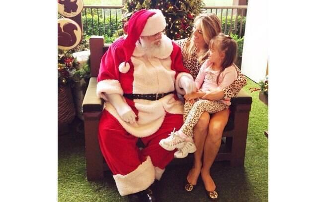 Ticiane Pinheiro levou a filha, Rafaella Justus, para fazer os pedidos ao bom velhinho