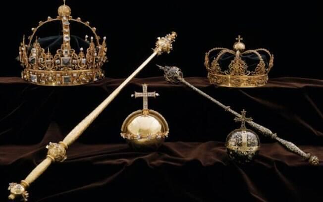 Polícia afirmou que duas coroas e um crucifixo de ouro foram levados de templo religioso na Suécia na terça-feira (31)