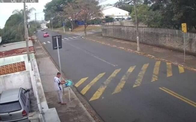 Homem de 21 anos é preso suspeito de furtar lixeiras em Campinas
