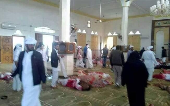 Ataque terrorista na mesquita de Al-Rawdah, no Egito, ocorreu durante orações dos fiéis