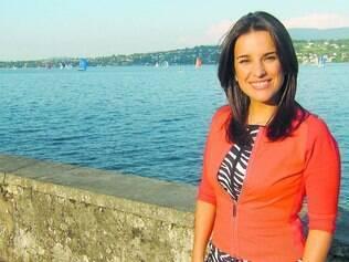 Receio. Jornalista brasileira Denise Barra, que mora na Suíça e trabalha na Eurovision, admite receio de vir para o Brasil na Copa