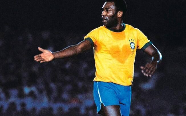 O suor em forma de coração é uma das imagens mais marcantes de Pelé. Isso aconteceu em 1976, em um amistoso beneficente entre Brasil e Flamengo . Foto: Site oficial