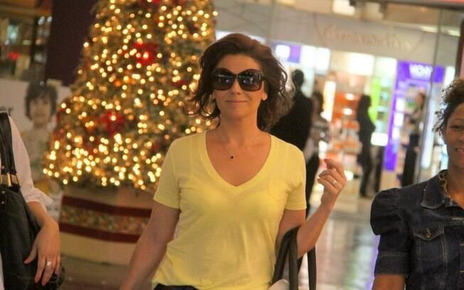Giovanna Antonelli aproveitou a tarde de compras nesta sexta-feira (18)