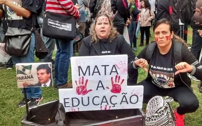 Resultado de imagem para foto de manifestação nas universidades federais