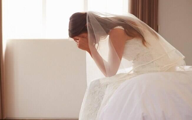 Uma noiva ficou brava após a prima levar seus filhos, de um e três anos, ao seu casamento que não deveria ter crianças