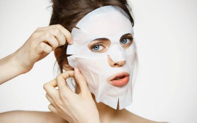 Máscaras faciais de tecido têm os ativos mais concentrados e em quantidade certa para serem absorvidos pela pele