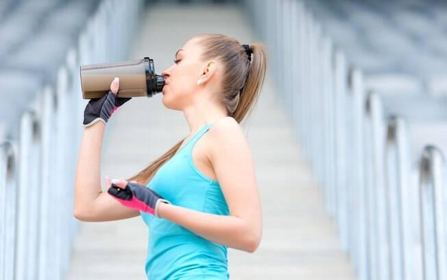 Whey protein é um suplemento de proteína que pode ser aliado de atletas profissionais e amadores
