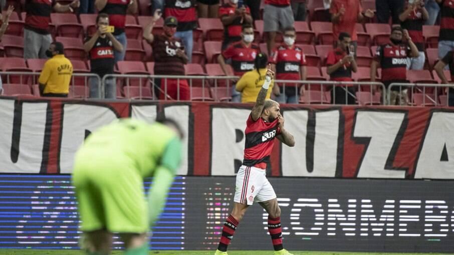 Flamengo passeia contra o Olimpia