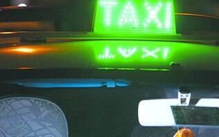 Estudante pula de táxi em movimentoao ver que motorista mudou trajeto - Brasil - iG