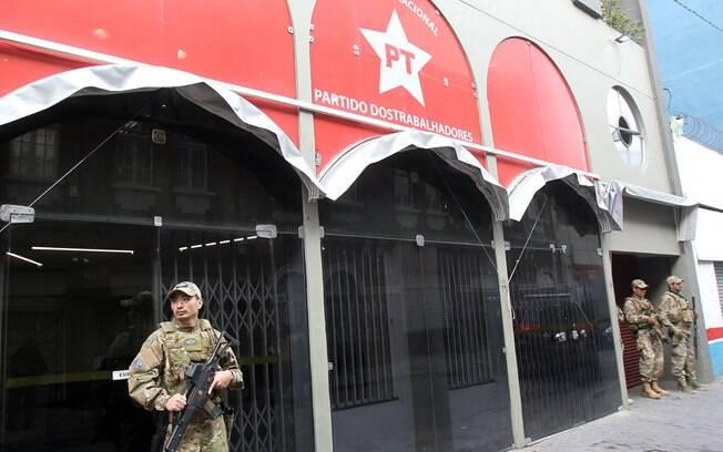Polícia Federal realiza buscas na sede nacional do Partidos dos Trabalhadores, no centro de SP