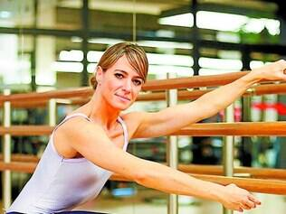 O balé foi adaptado para as salas de ginásticas pela bailarina Betina Dantas
