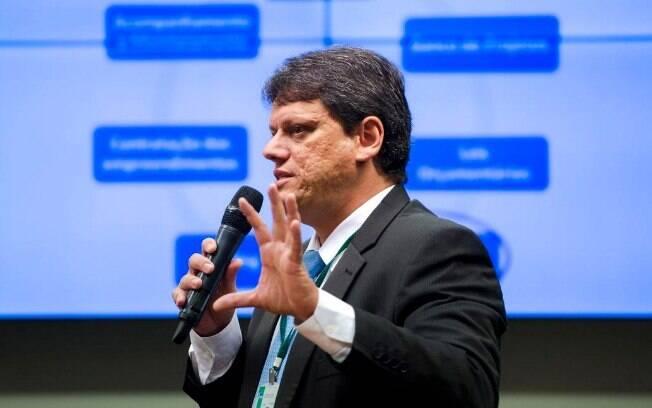 Tarcísio Gomes de Freitas também reiterou que todos os aeroportos administrados pela Infraero serão privatizados