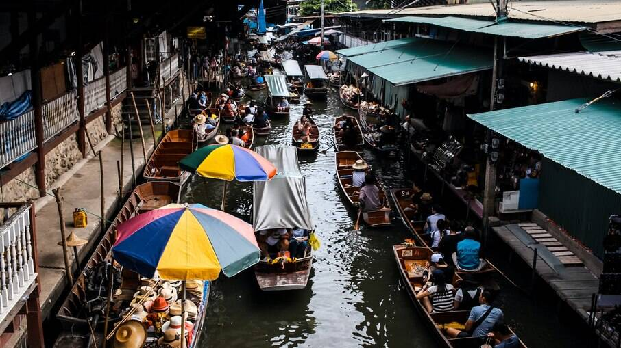 Bangkok é a capital e maior cidade da Tailândia, além de ser um dos destinos asiáticos mais buscados pelos turistas.