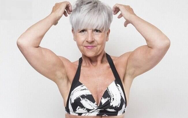 Kim Wright, de 55 anos, chegou a ficar em 2º lugar em concurso de biquíni