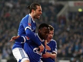 Nigeriano Obasi abriu o caminho para vitória do Schalke 04