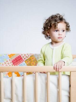 Mudança geralmente ocorre aos três anos de idade, quando a criança excede altura e peso recomendados para o berço
