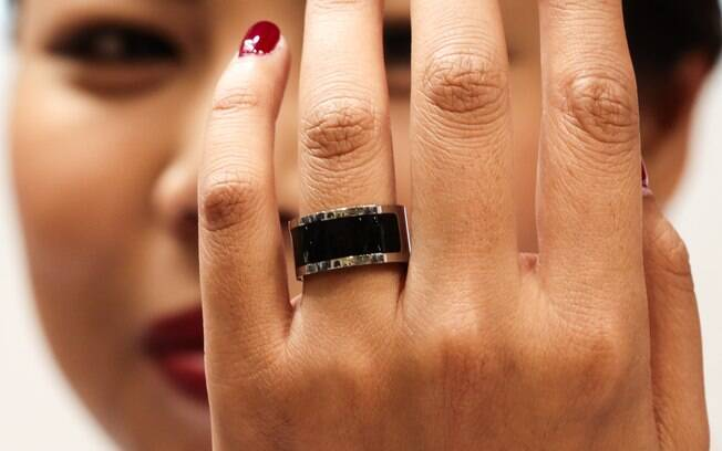 Mota Smart Ring vibra quando o celular do usuário recebe ligações ou notificações