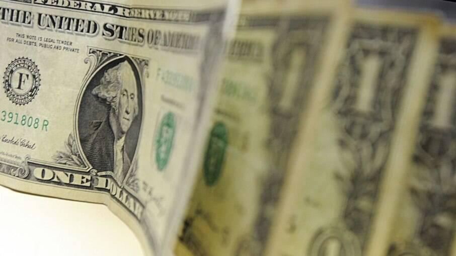 Dólar dispara e atinge R$ 5,20 nesta terça-feira
