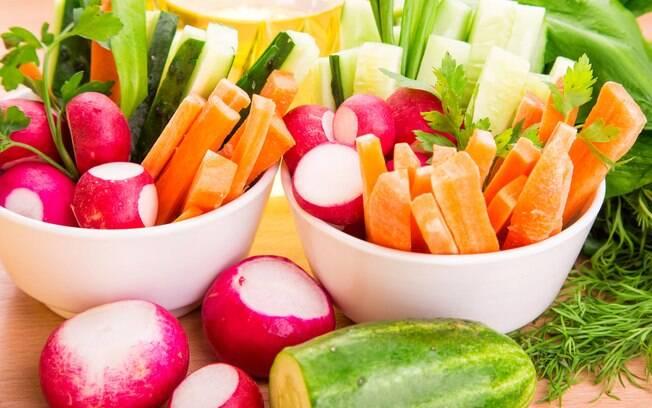 Dietas mais famosas no Google: comer apenas alimentos crus também é uma dieta e até um estilo de vida