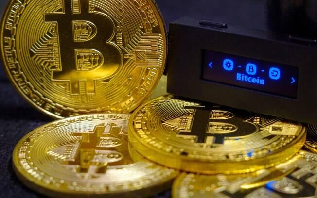 As criptomoedas podem ser guardadas em hot wallets ou cold wallets