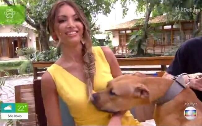 Patrícia Poeta se nega a interagir com cachorro no