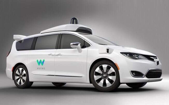 A minivan Chrysler Pacífica com direção autônoma é um dos modelos de marcas que fizeram parceria com o Google