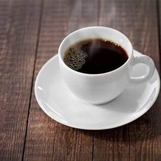 Fique atenta com a cafeína: ela pode ser a vilã ou mocinha da enxaqueca