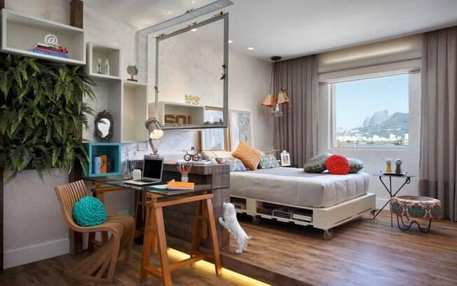 decoracao de interiores blumenau:serviram de estrutura à cama e cavaletes formaram uma bela mesa de