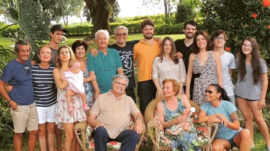 Família de Tarcísio Meira reunida