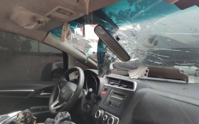 Três corpos foram encontrados em carro estacionado na rua