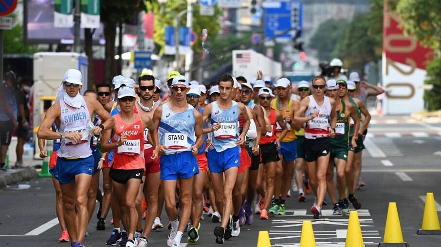 Prova da marcha atlética em Tóquio