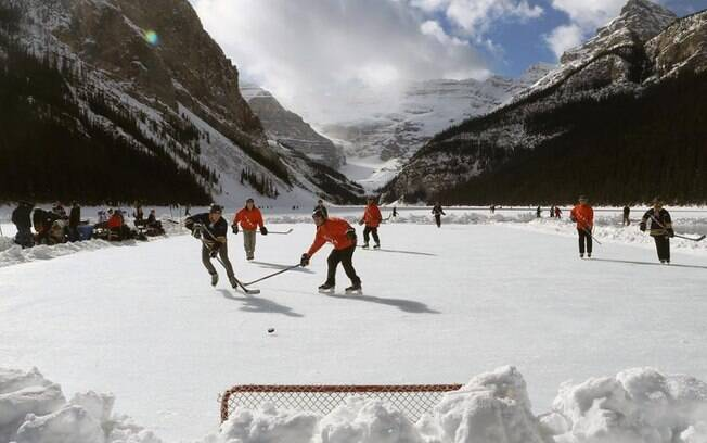 A prática de patinar no gelo ao ar livre pode desaparecer daqui a alguns anos
