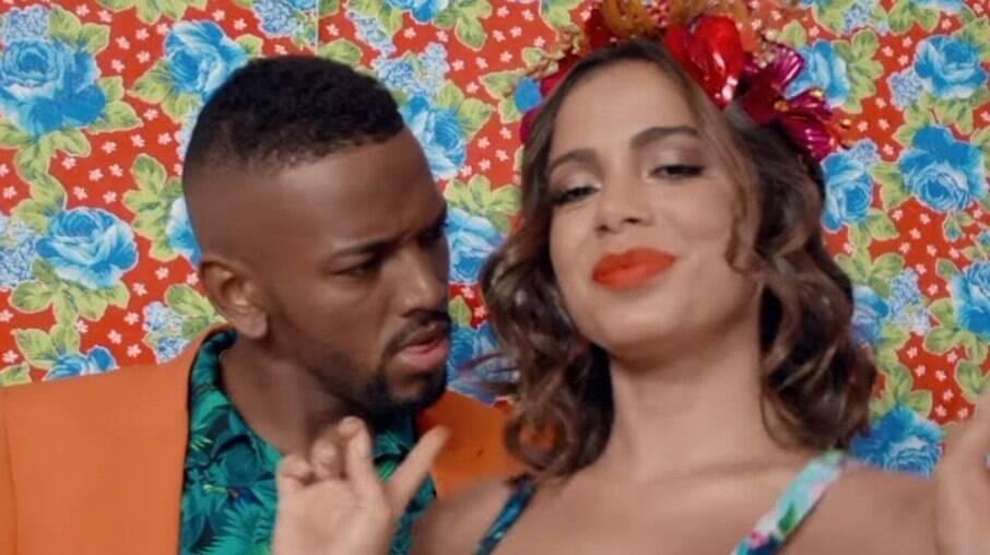 Anitta e Nego do Borel no clipe 'Essa Mina É Louca', de 2015