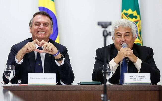 Presidente Jair Bolsonaro e o ministro da Ciência, Tecnologia, Inovações e Comunicações, Marcos Pontes
