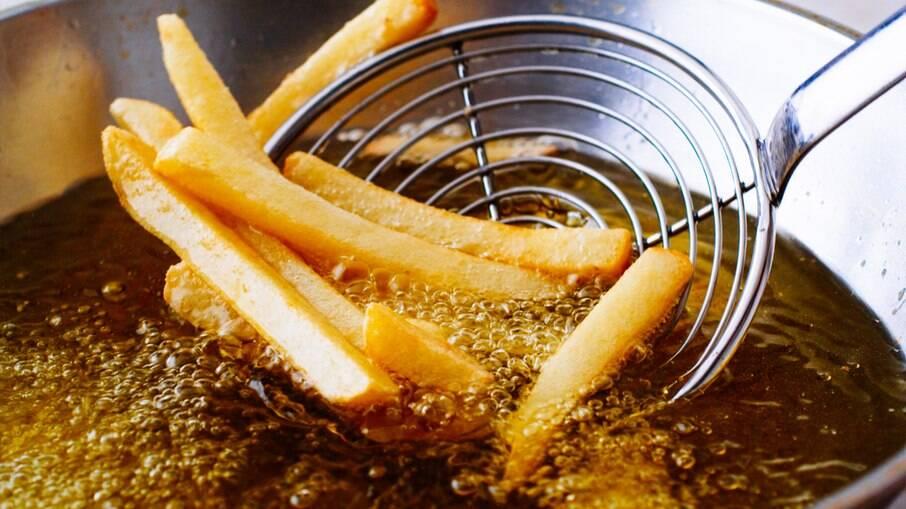 Promoção vale para as batatas crinkles do Bullguer