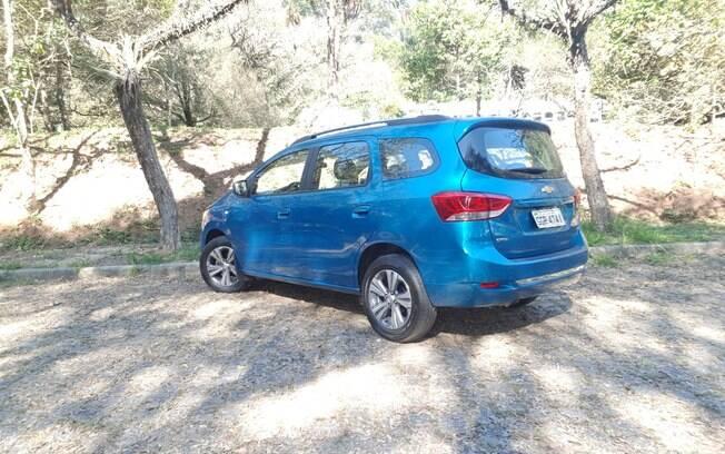 Chevrolet Spin 2019: a traseira, com fortes influências do EcoSport, não nega o novo posicionamento do monovolume