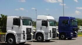 Caminhoneiros que transportam combustível param em 6 estados do Brasil
