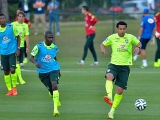 Após folga, seleção brasileira realiza treino leve na Granja Comary em reapresentação