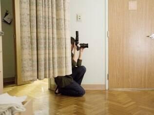 Briana Kalajian fotografa um parto na Califórnia: moda de registrar o nascimento se espalho pelos EUA