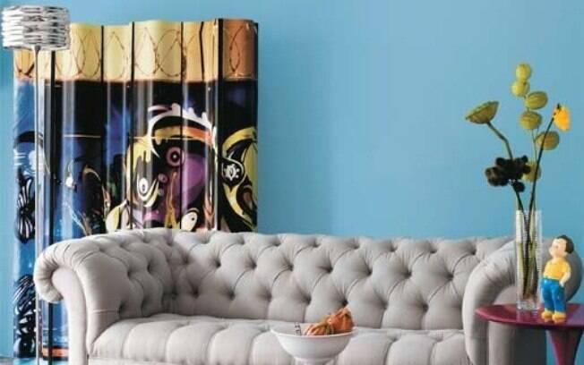 E ele não precisa ser usado só para separar ambientes; este, por exemplo, ajuda a colorir e enfeitar a sala
