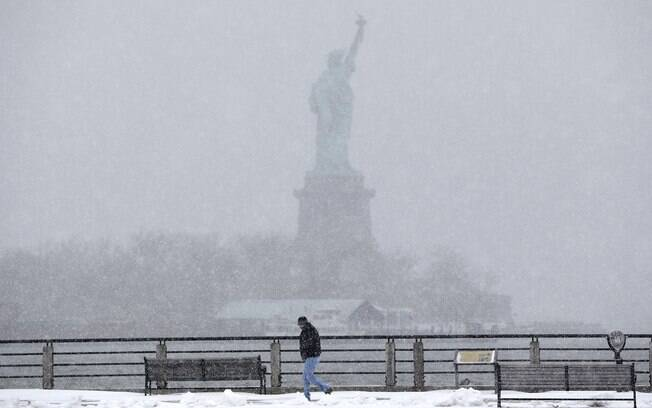 Expectativa de autoridades norte-americanas é de que nevasca seja um das piores da história