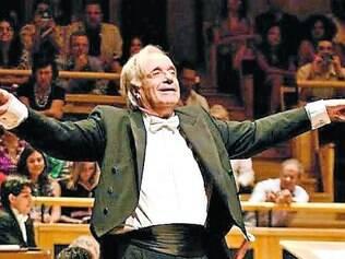Maestro promete uma homenagem de São Paulo a Minas logo mais