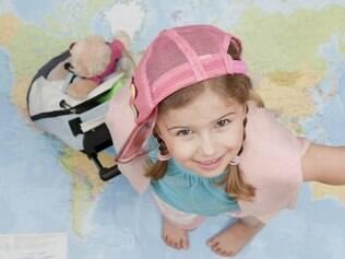 Viajar com as crianças é mais fácil com um kit de lanches, medicamentos e distrações